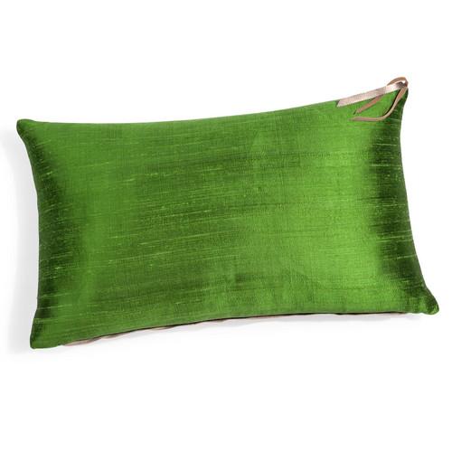 coussin en lin et soie vert jungle 30 x 50 cm bora. Black Bedroom Furniture Sets. Home Design Ideas