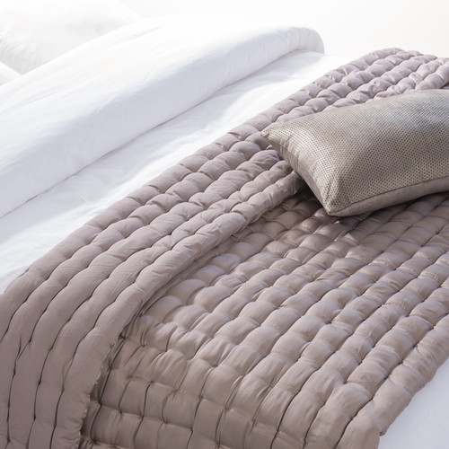boutis en soie 100 x 180 cm blush maisons du monde. Black Bedroom Furniture Sets. Home Design Ideas