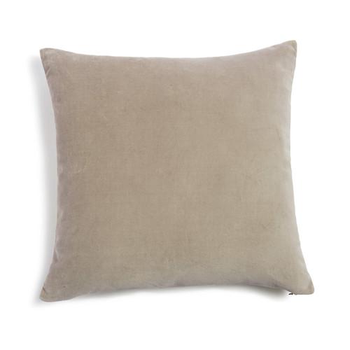 coussin en velours beige 45 x 45 cm maisons du monde. Black Bedroom Furniture Sets. Home Design Ideas