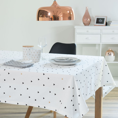 nappe motif triangles en coton blanche 150 x 250 cm maisons du monde. Black Bedroom Furniture Sets. Home Design Ideas