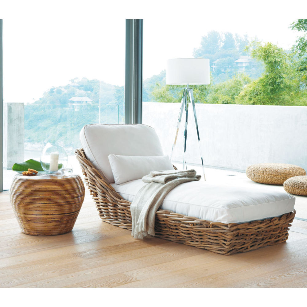 Rattan chaise longue saint tropez saint tropez maisons for Maison de monde uk
