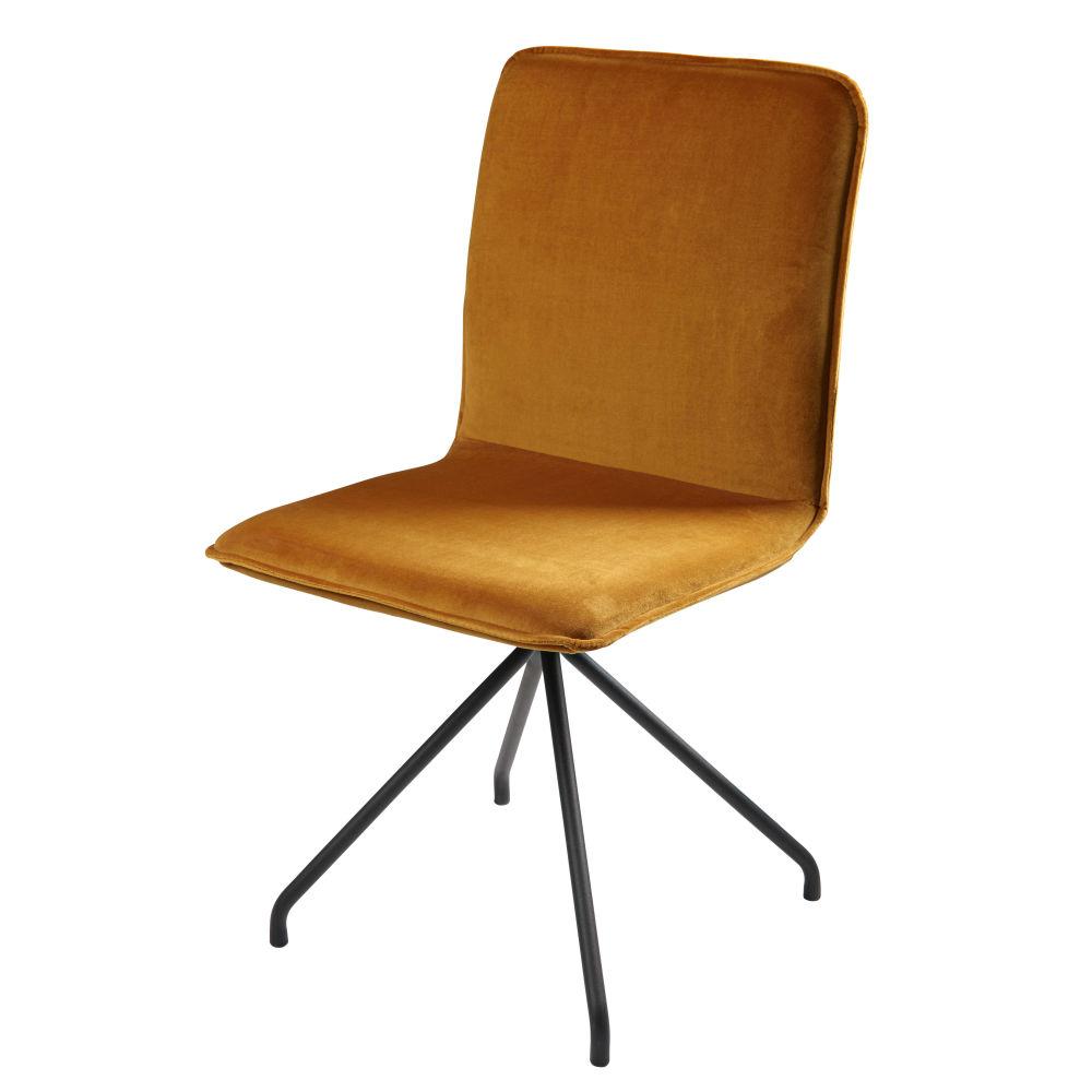 Stuhl aus ockerfarbenem samt