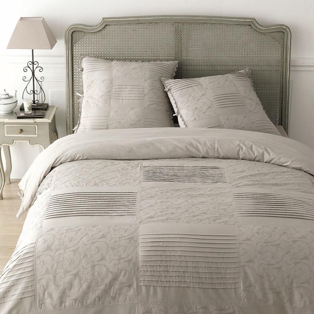 Parure dentelle perle 240x220 maisons du monde for Linge de lit maison du monde