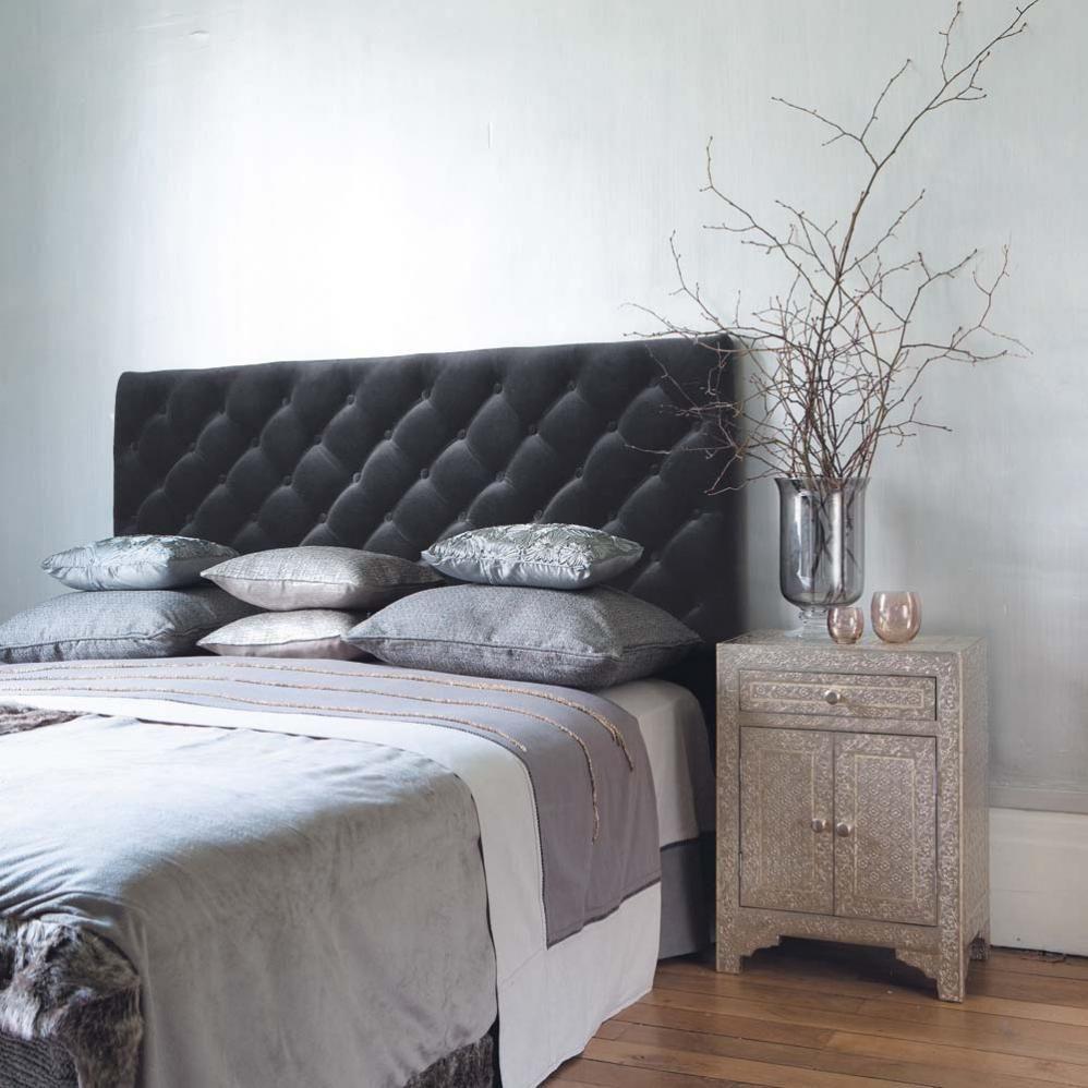 t te de lit capitonn e vintage en velours grise l 142 cm. Black Bedroom Furniture Sets. Home Design Ideas