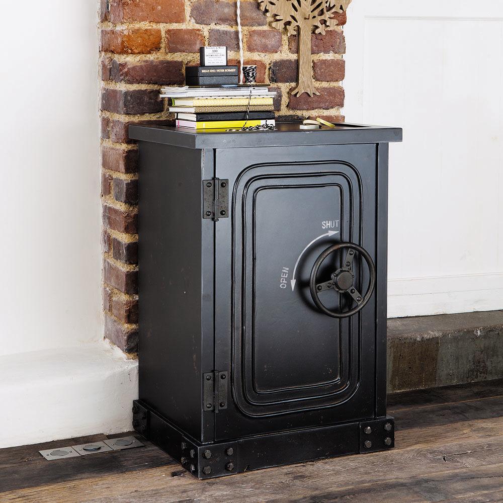 cabinet coffre fort en bois noir effet vieilli l 53 cm bank maisons du monde. Black Bedroom Furniture Sets. Home Design Ideas