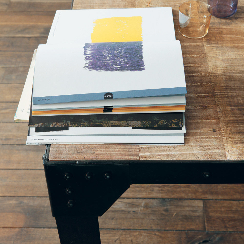 Table de salle manger indus en manguier massif et m tal for Salle a manger factory