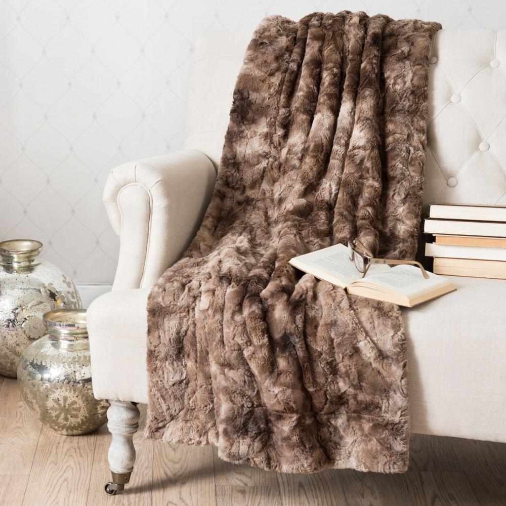 plaid pour fauteuil plaid x cm with plaid pour fauteuil il ira trs bien dans le jardin sur le. Black Bedroom Furniture Sets. Home Design Ideas
