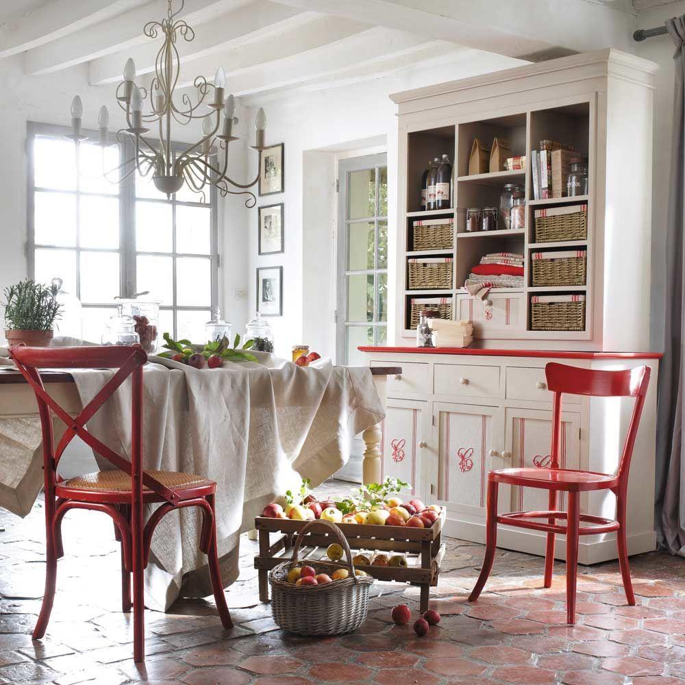 Chaise en bois massif rouge bistrot maisons du monde - Chaise bistrot maison du monde ...