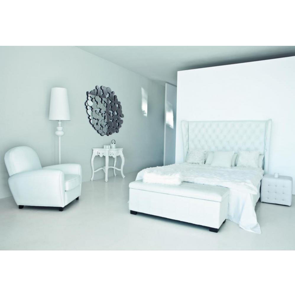 bout de lit imitation cuir blanc l 120 cm chesterfield. Black Bedroom Furniture Sets. Home Design Ideas