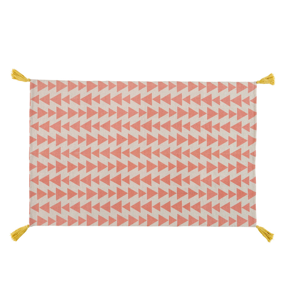 Bedroom house style trend home design and decor - Alix Pink Cotton Rug With Triangle Motifs 120 X 180 Cm