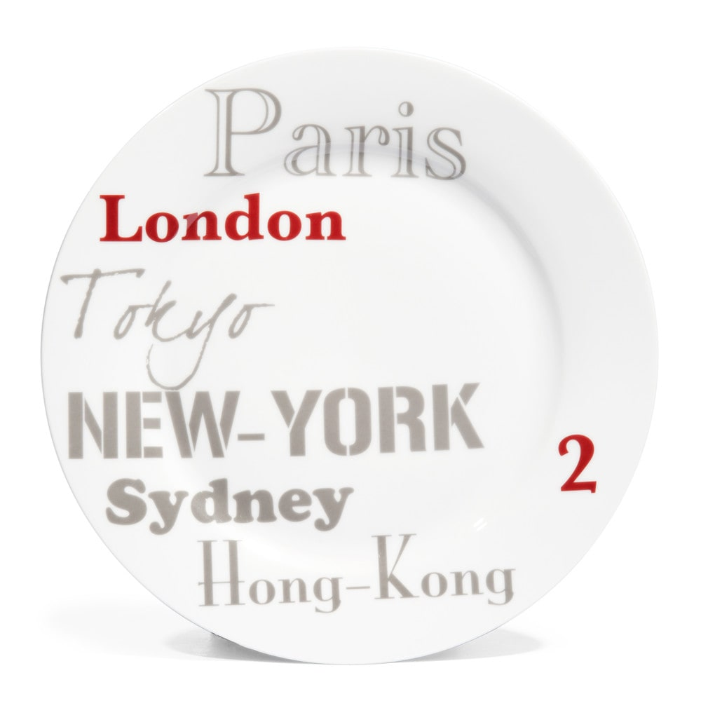 assiette plate en porcelaine grise et rouge d 27 cm londres cities maisons du monde. Black Bedroom Furniture Sets. Home Design Ideas