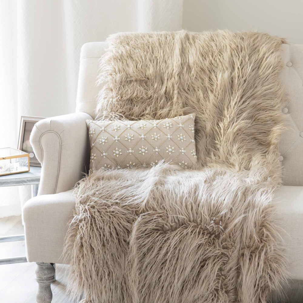 ASTRAKAN Faux Fur Throw In Taupe 130 X 170cm