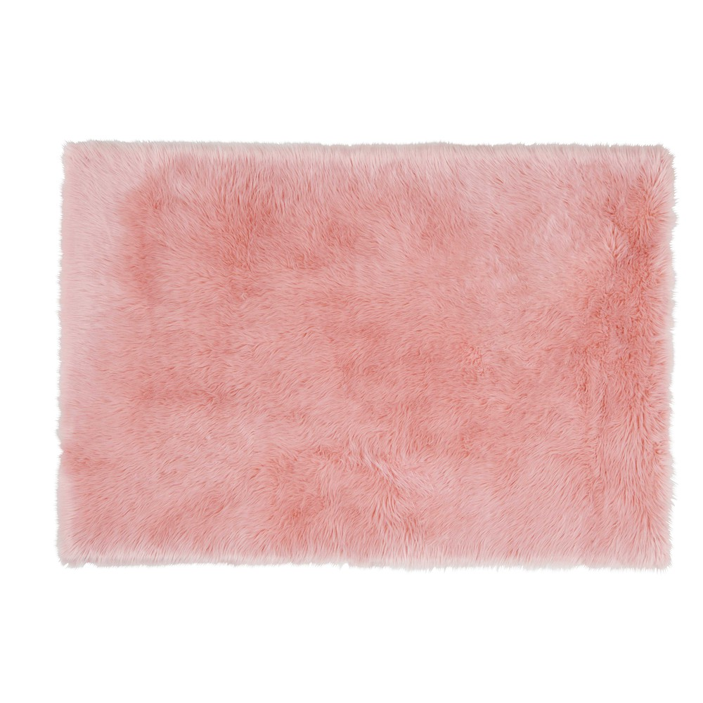 blush faux fur rug in pink 120 x 180cm maisons du monde. Black Bedroom Furniture Sets. Home Design Ideas