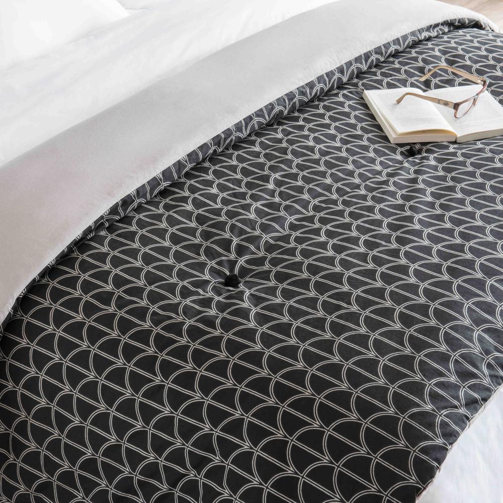 boutis en coton motifs noirs et blancs 130x200cm lona maisons du monde. Black Bedroom Furniture Sets. Home Design Ideas
