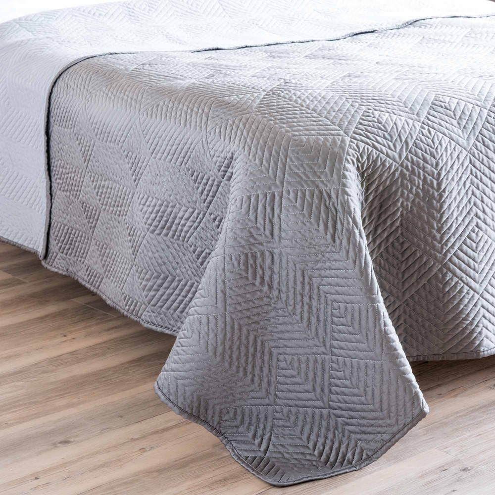 boutis gris 240 x 260 cm upper maisons du monde. Black Bedroom Furniture Sets. Home Design Ideas