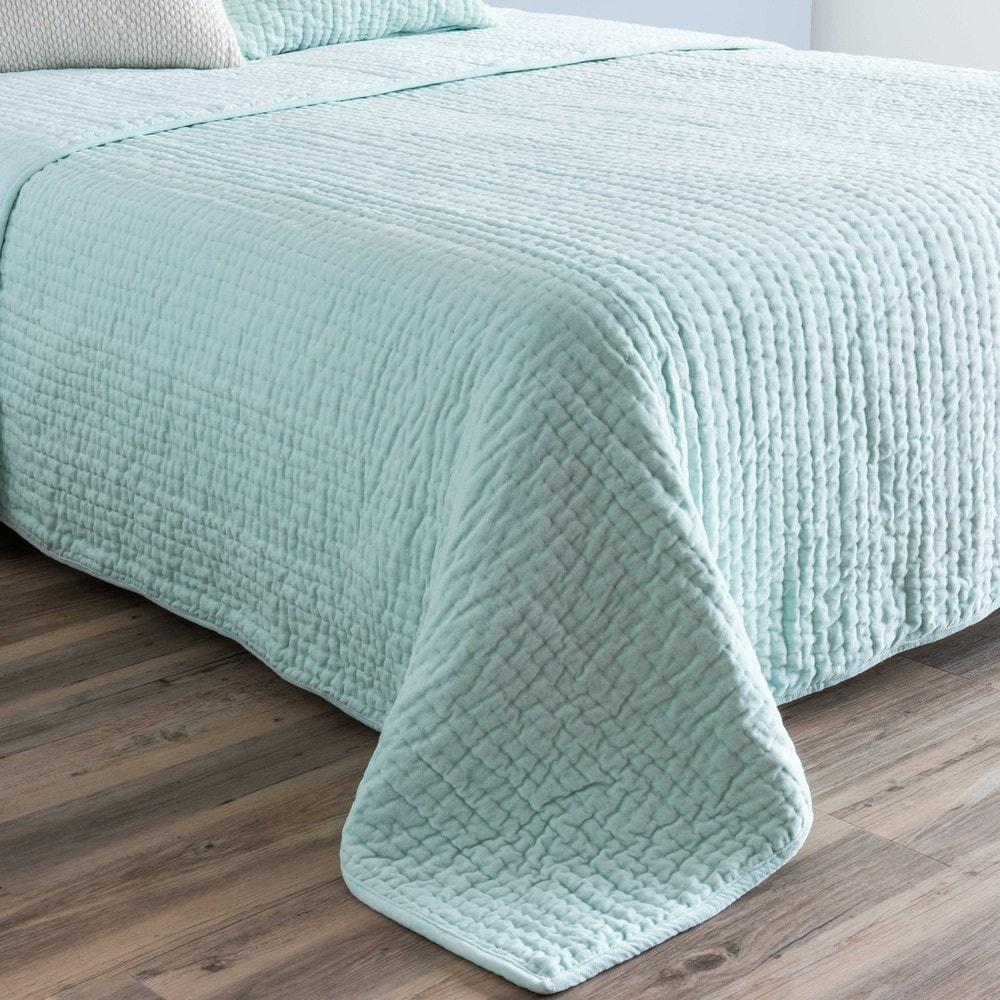 boutis piqu en velours vert d 39 eau 240x260cm maisons du. Black Bedroom Furniture Sets. Home Design Ideas