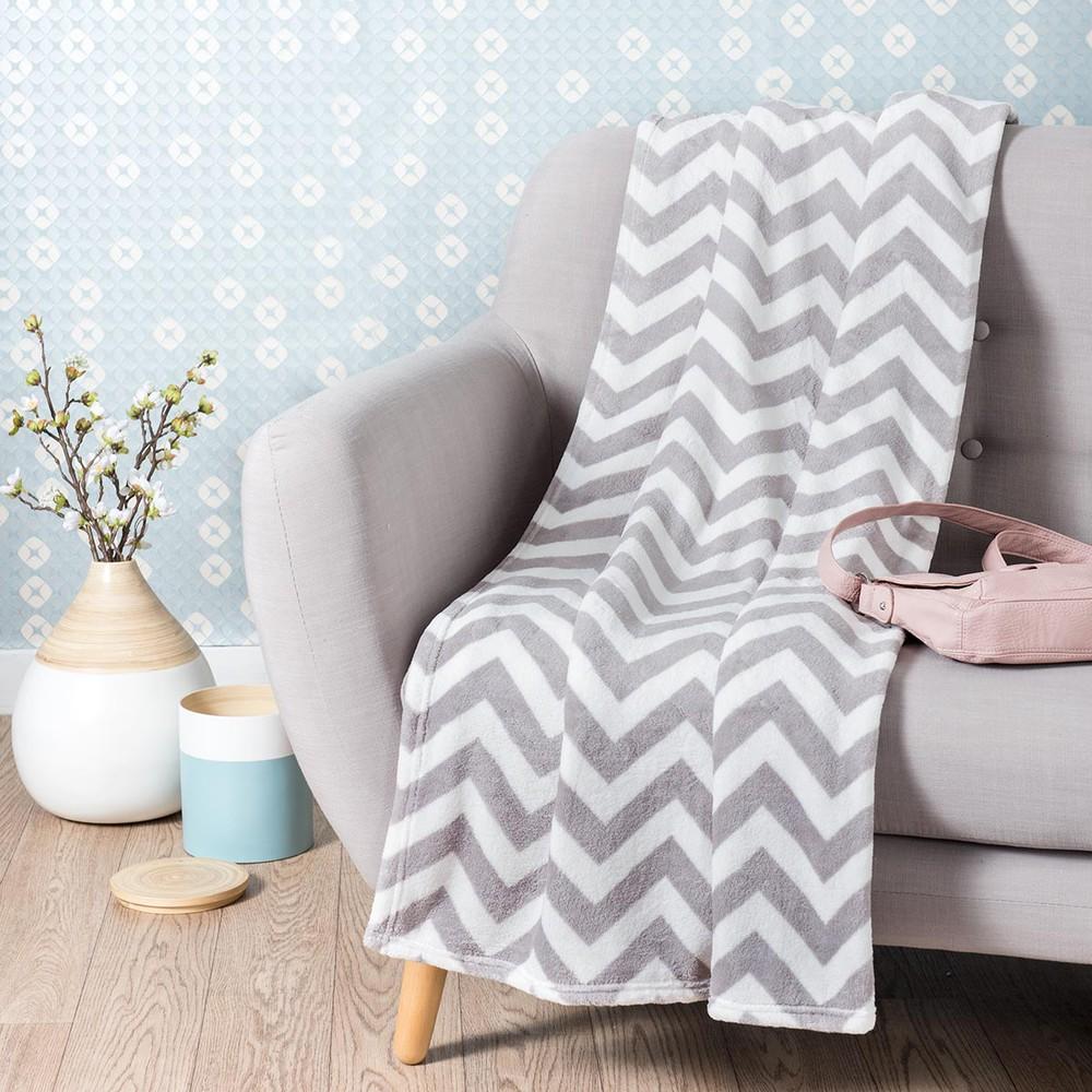 chaleur fabric patterned blanket in grey 130 x 170cm. Black Bedroom Furniture Sets. Home Design Ideas