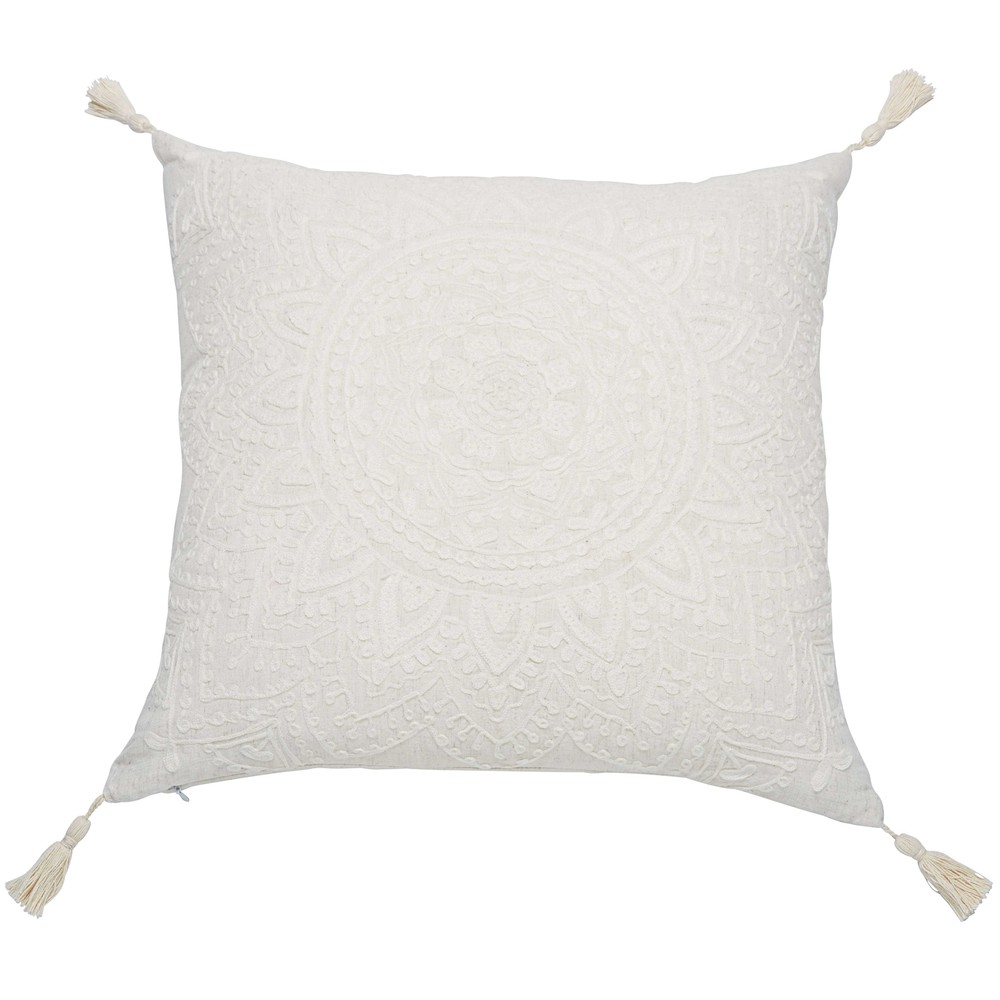 coussin pompons en coton blanc 45x45cm mandala maisons du monde. Black Bedroom Furniture Sets. Home Design Ideas