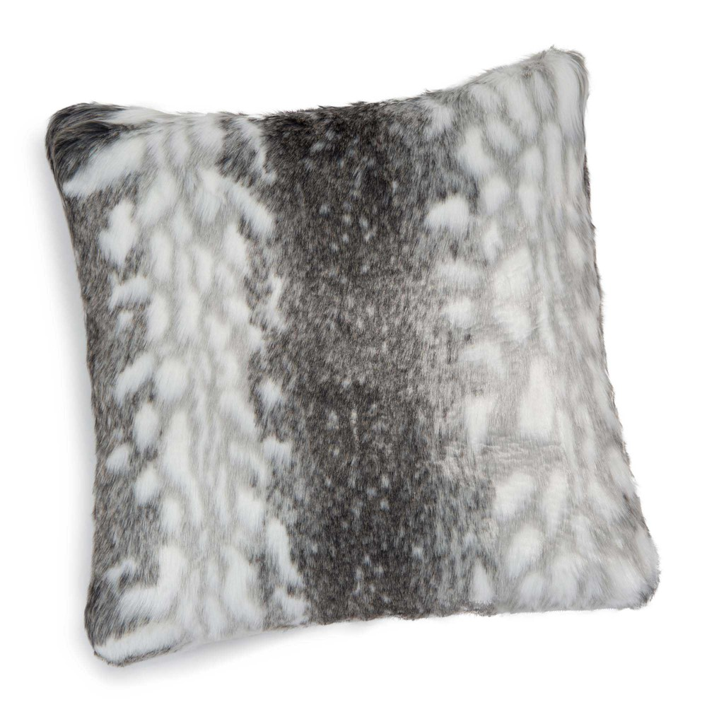 coussin en fausse fourrure gris 45 x 45 cm lynx maisons du monde. Black Bedroom Furniture Sets. Home Design Ideas