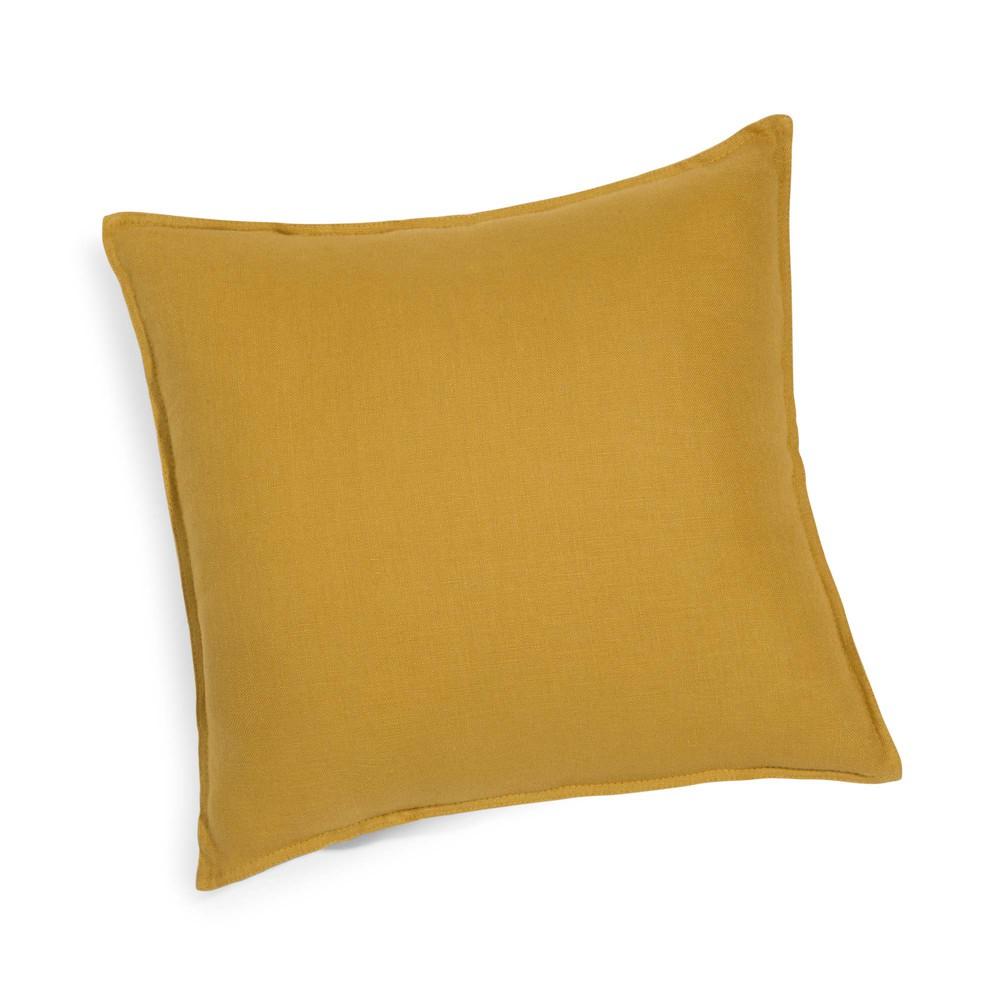 coussin en lin lav jaune moutarde 45x45 maisons du monde. Black Bedroom Furniture Sets. Home Design Ideas