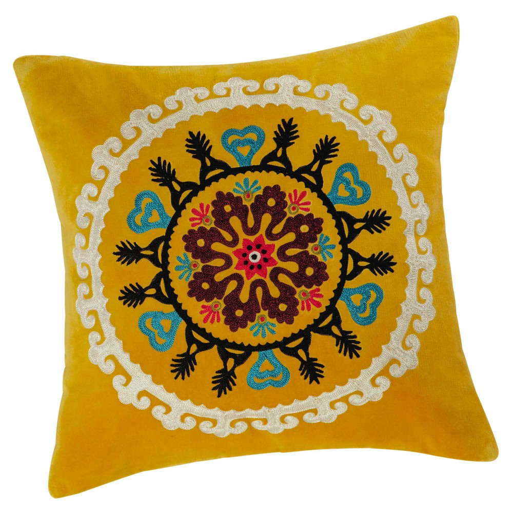 coussin en velours jaune 45 x 45 cm gatala maisons du monde. Black Bedroom Furniture Sets. Home Design Ideas