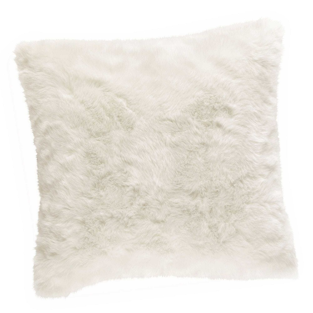 coussin fausse fourrure blanche 45 x 45 cm oumka maisons du monde. Black Bedroom Furniture Sets. Home Design Ideas