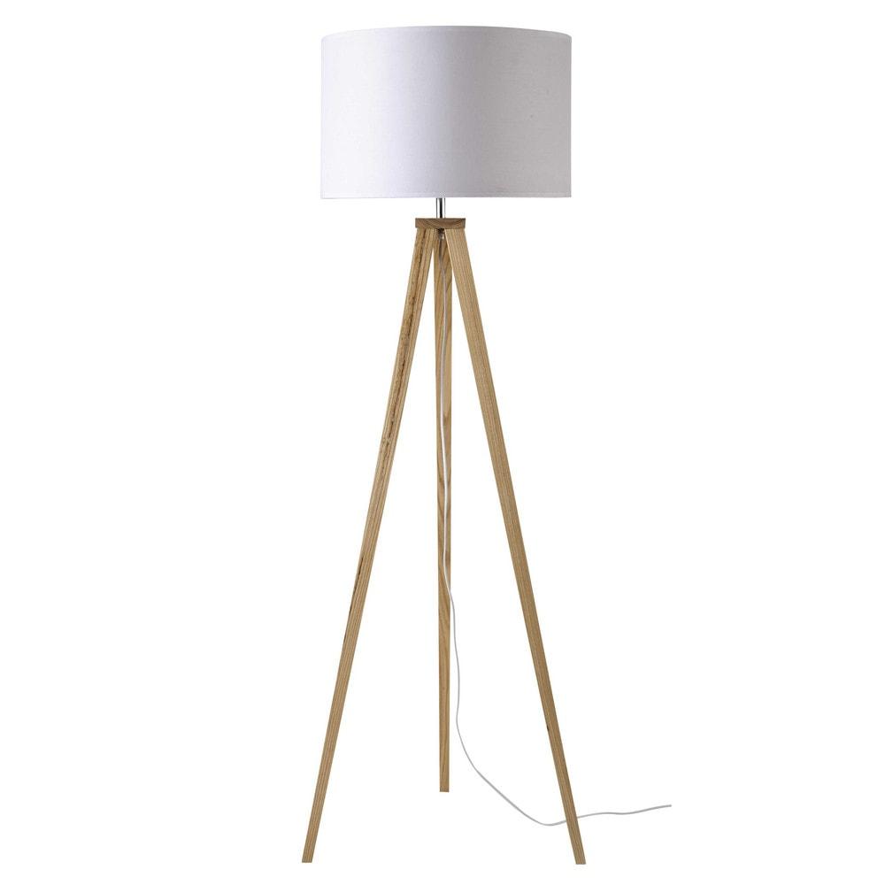 dreibeinige stehlampe karlsen aus holz und wei er baumwolle h 156 cm maisons du monde. Black Bedroom Furniture Sets. Home Design Ideas