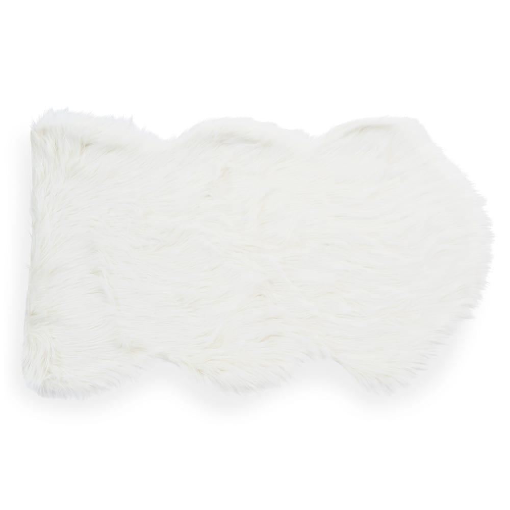 eskimo faux fur rug white 60 x 100 cm maisons du monde