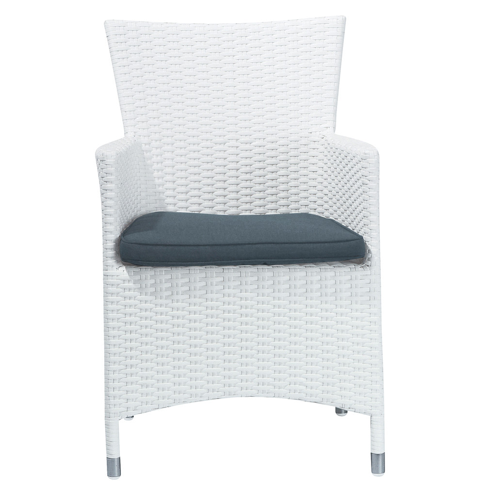 fauteuil de jardin en r sine tress e blanc antibes maisons du monde. Black Bedroom Furniture Sets. Home Design Ideas