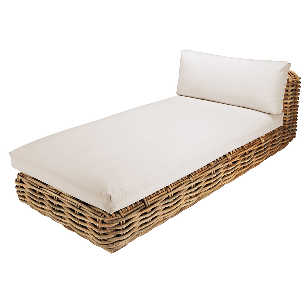 Garden chaise longue in rattan with ecru cushions st for Chaises longues de jardin design