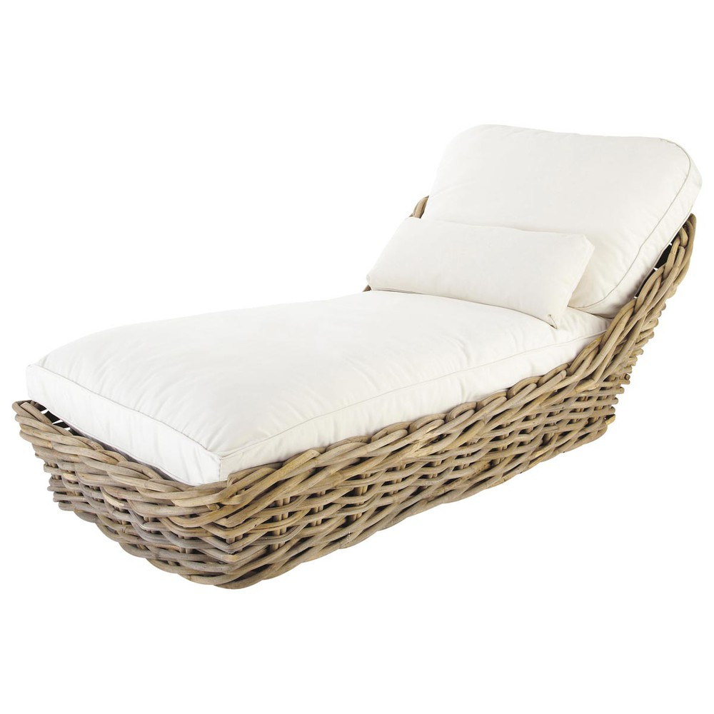 Garden chaise longue in rattan with ivory cushions st for Chaise longue