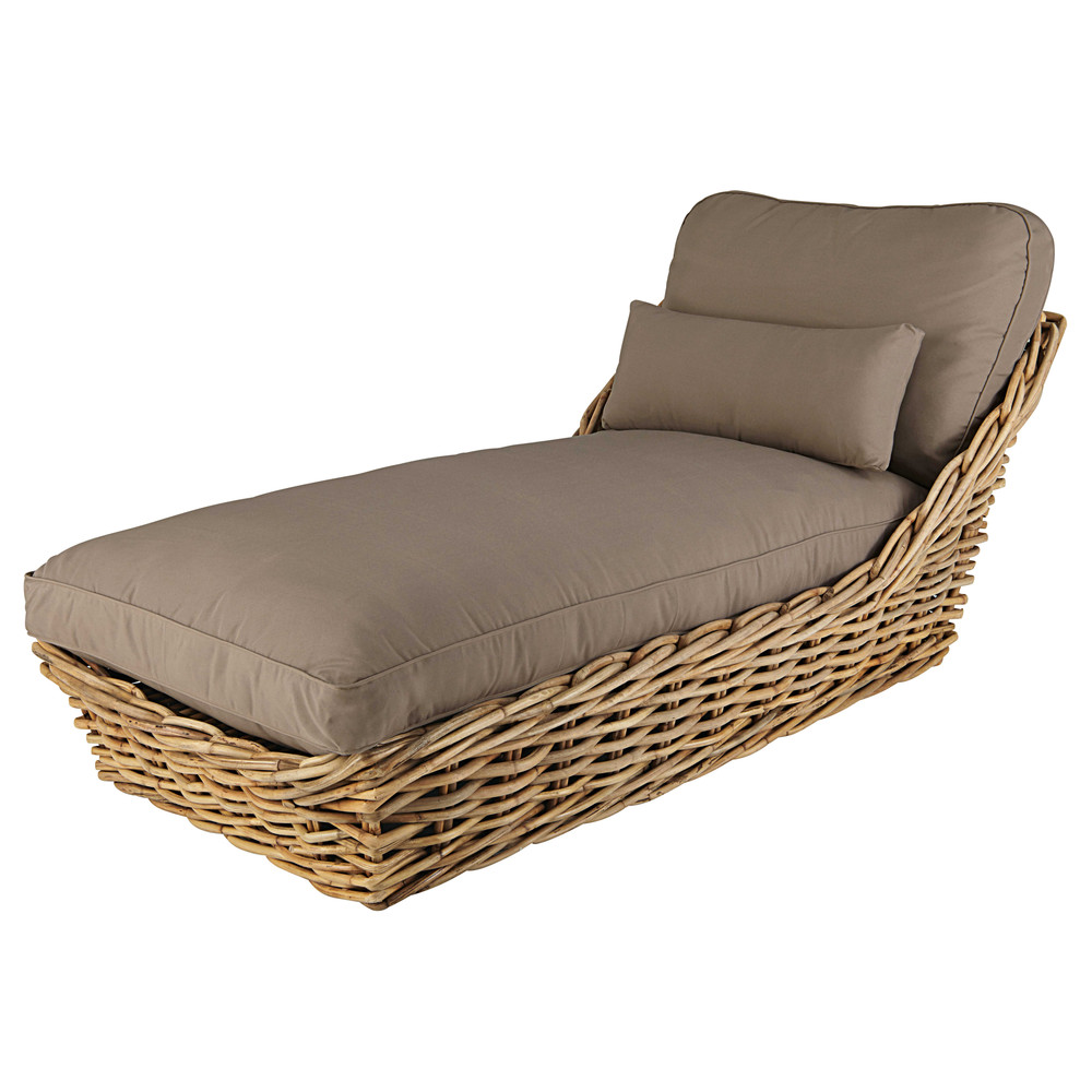 Garden chaise longue in rattan with taupe cushions st for Chaise longue chilienne