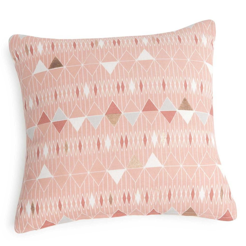 housse de coussin en coton rose motifs triangles 40x40cm javari maisons du monde. Black Bedroom Furniture Sets. Home Design Ideas