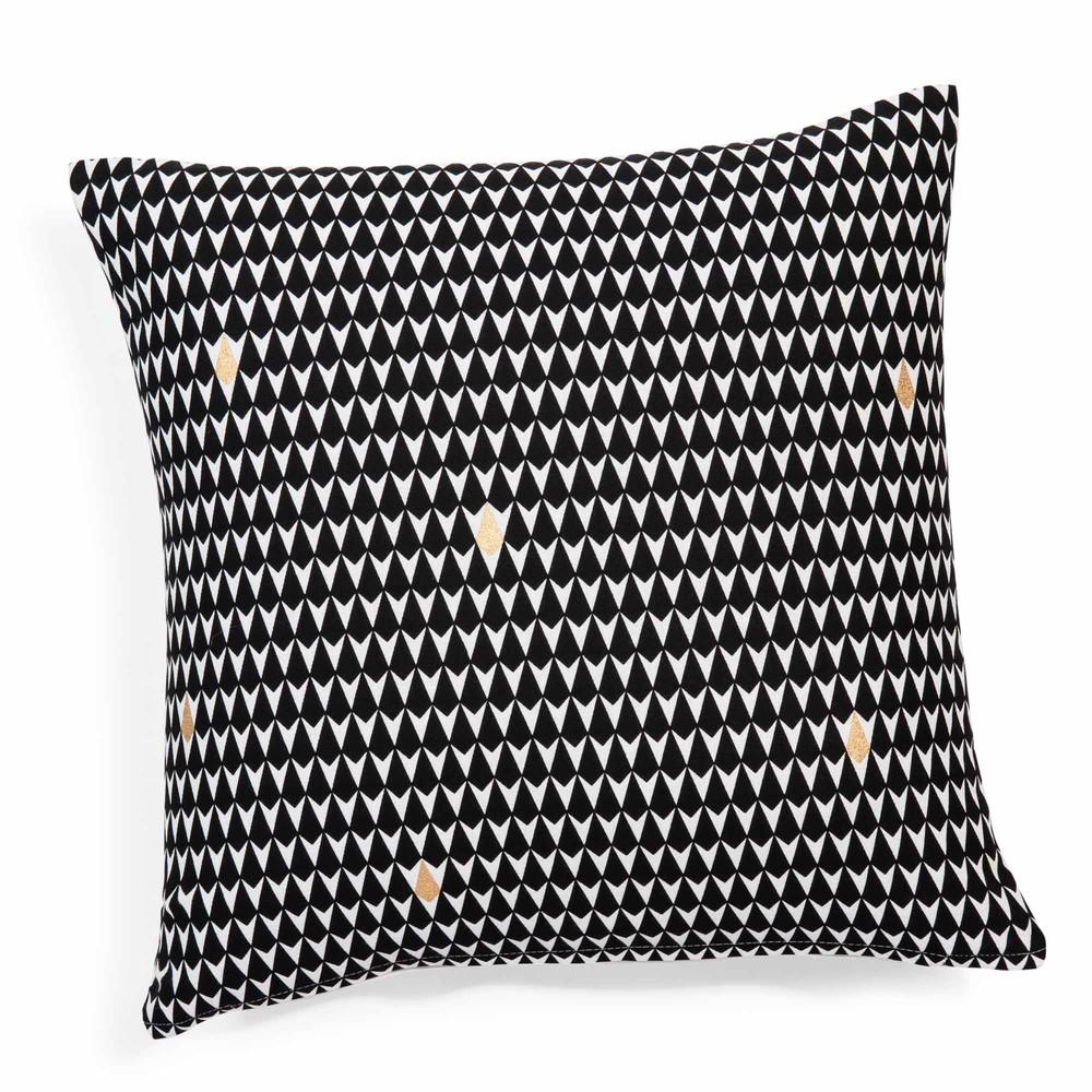 housse de coussin motifs triangles en coton noire blanche 40 x 40 cm maisons du monde. Black Bedroom Furniture Sets. Home Design Ideas