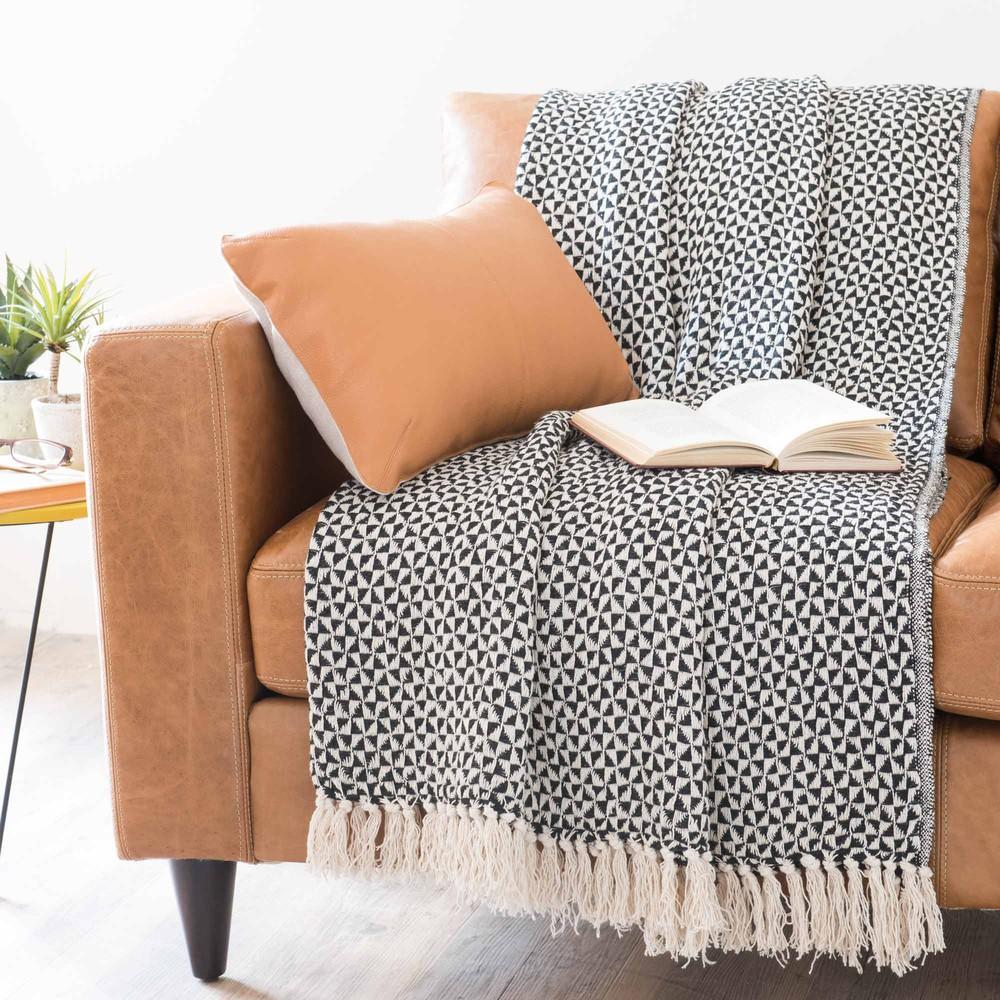 jet en coton noir blanc 130 x 160 cm makassar maisons. Black Bedroom Furniture Sets. Home Design Ideas