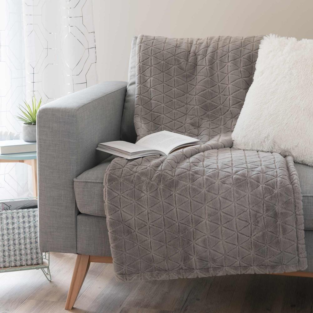 jet de lit maison du monde livraison gratuite pcs cadavre fleur graines la plus grande fleur du. Black Bedroom Furniture Sets. Home Design Ideas