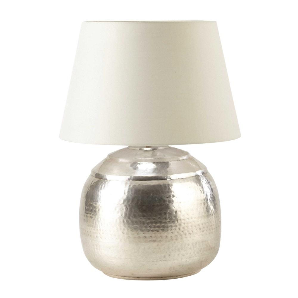 Lampe en m tal cisel h 68 cm saoura maisons du monde for Maison du monde lampe
