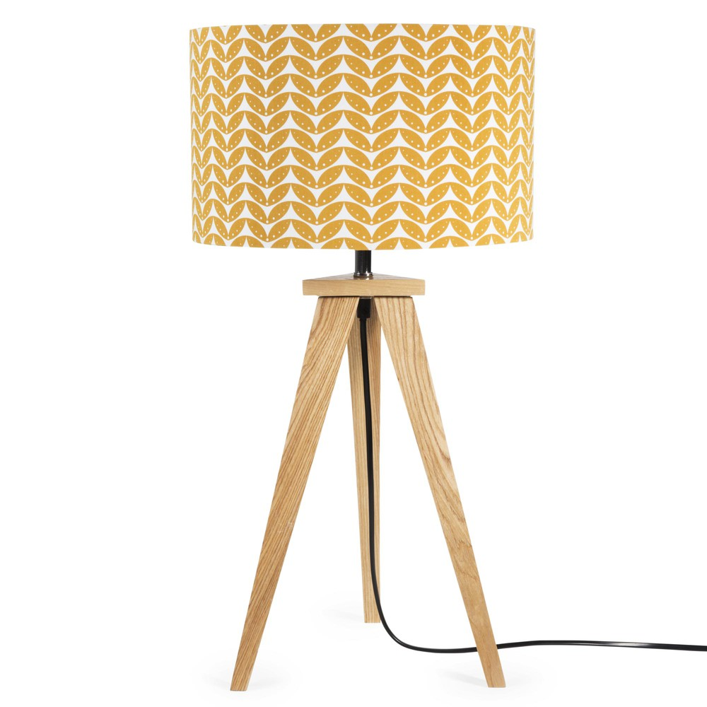 lampe tr pied en bois avec abat jour motifs h 58 cm berlin maisons du monde. Black Bedroom Furniture Sets. Home Design Ideas