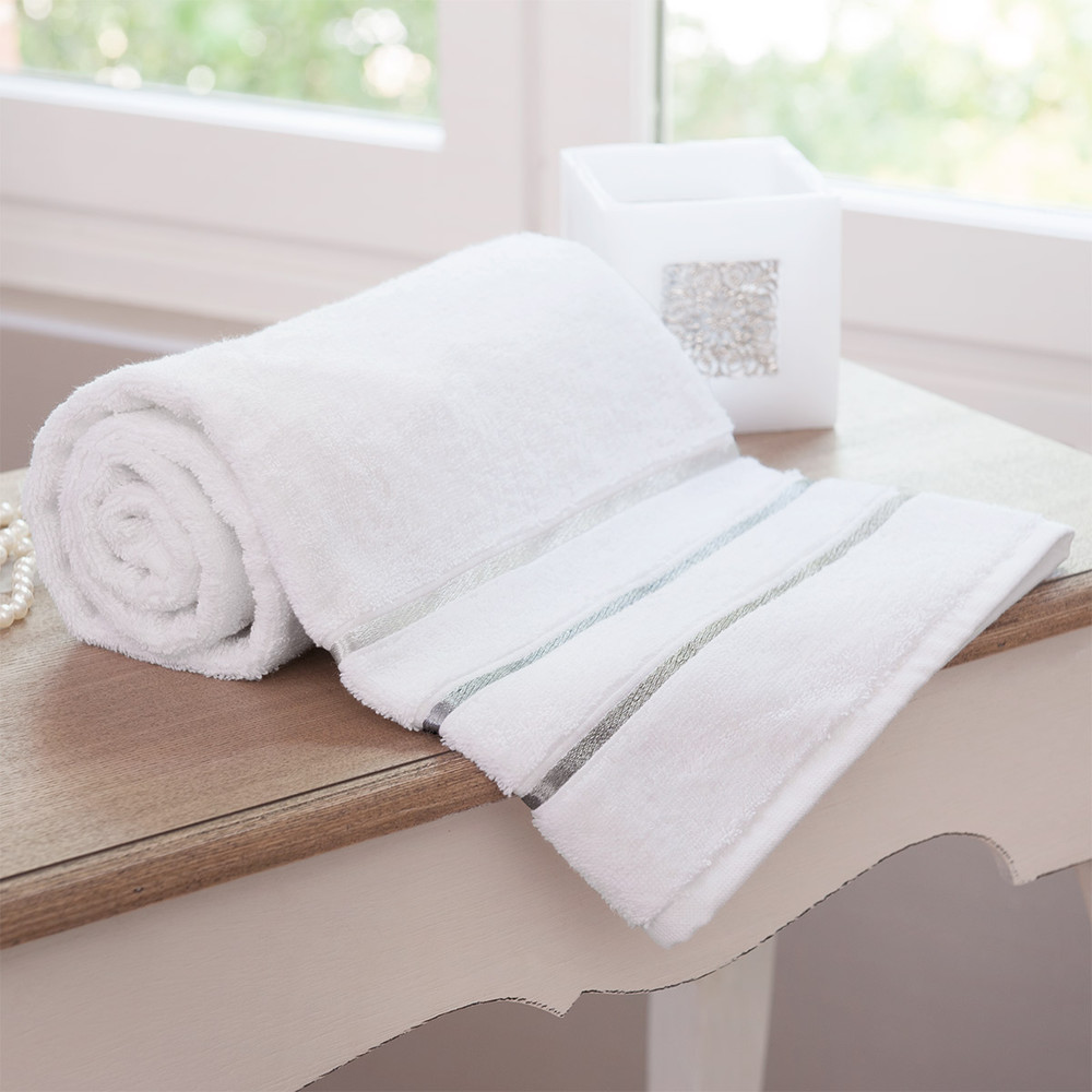 lumi re bath towel 30 x 50 maisons du monde. Black Bedroom Furniture Sets. Home Design Ideas