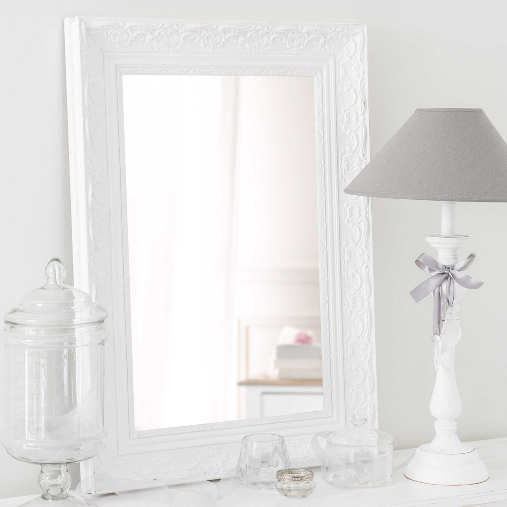 miroir en bois de paulownia blanc h 70 cm valentine maisons du monde. Black Bedroom Furniture Sets. Home Design Ideas