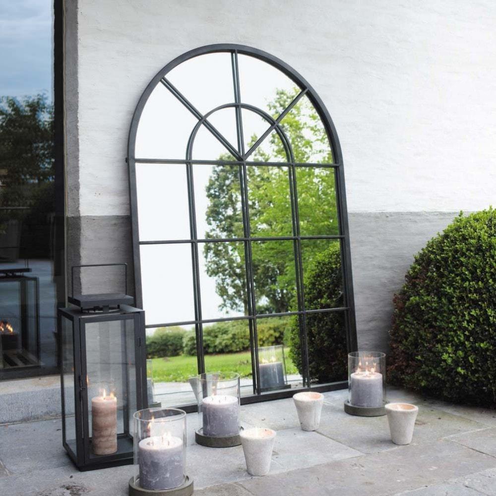 Miroir en m tal noir h 135 cm orangerie maisons du monde for Photophore maison du monde