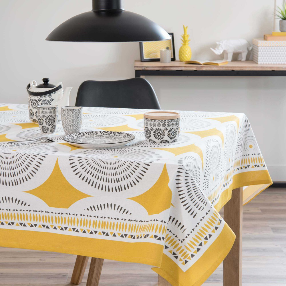 nappe carr e en coton jaune gris 170 x 170 cm heliconia maisons du monde. Black Bedroom Furniture Sets. Home Design Ideas