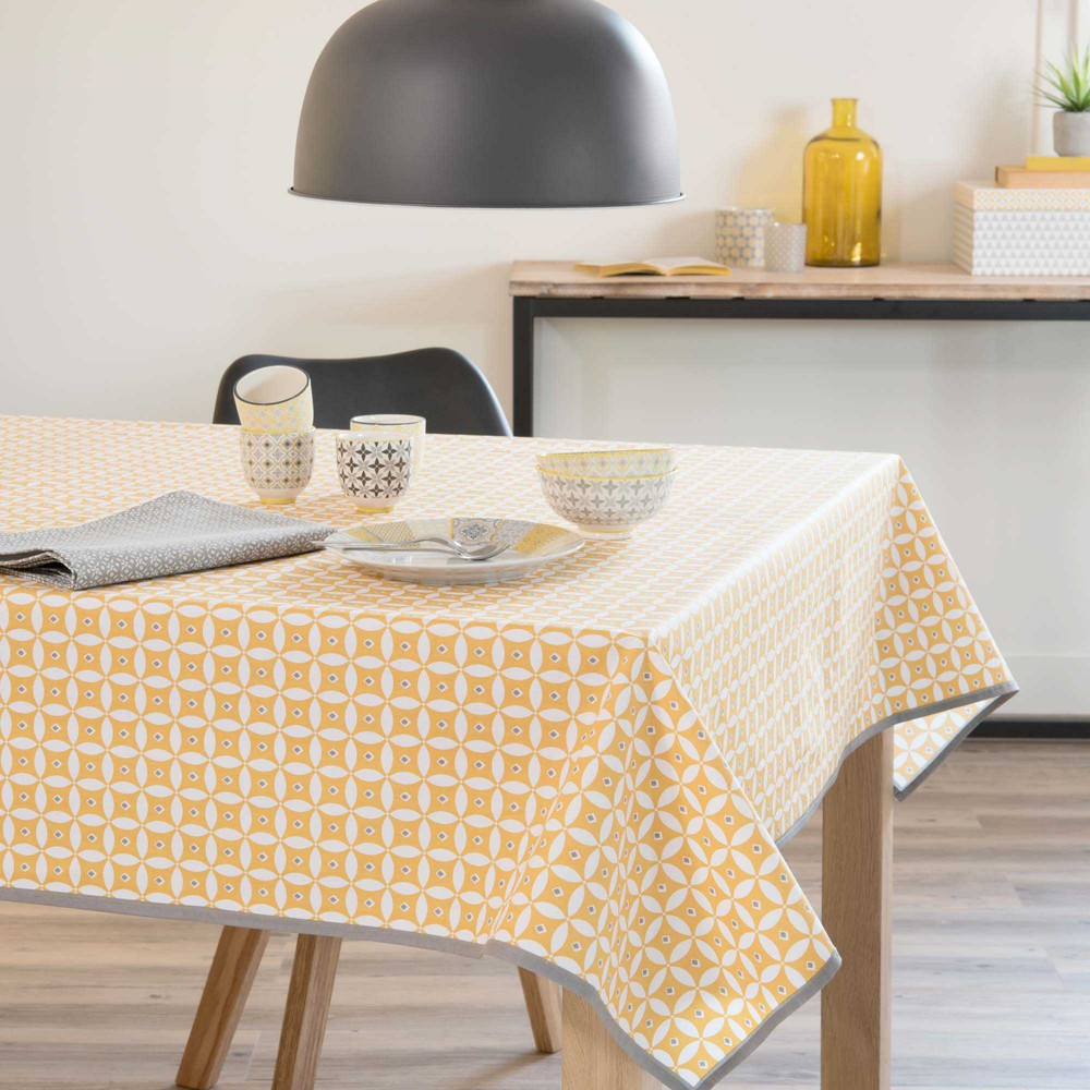 nappe enduite en coton jaune 140 x 140 cm malveira maisons du monde. Black Bedroom Furniture Sets. Home Design Ideas