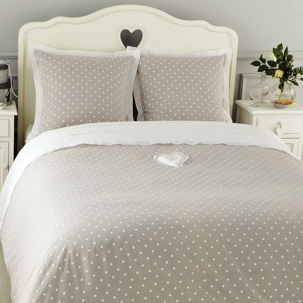 Parure de lit pois 220 x 240 cm en coton grise douceur maisons du monde for Parure lit bebe ikea
