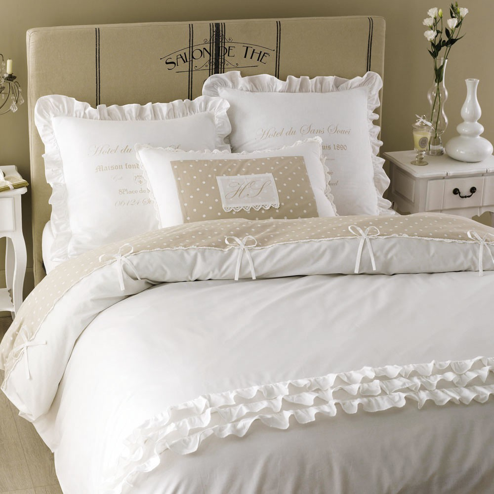 parure de lit en coton blanche 240 x 260 cm maisons du monde. Black Bedroom Furniture Sets. Home Design Ideas
