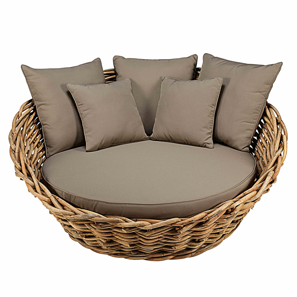 round garden sofa in rattan with taupe cushions st tropez maisons du monde. Black Bedroom Furniture Sets. Home Design Ideas