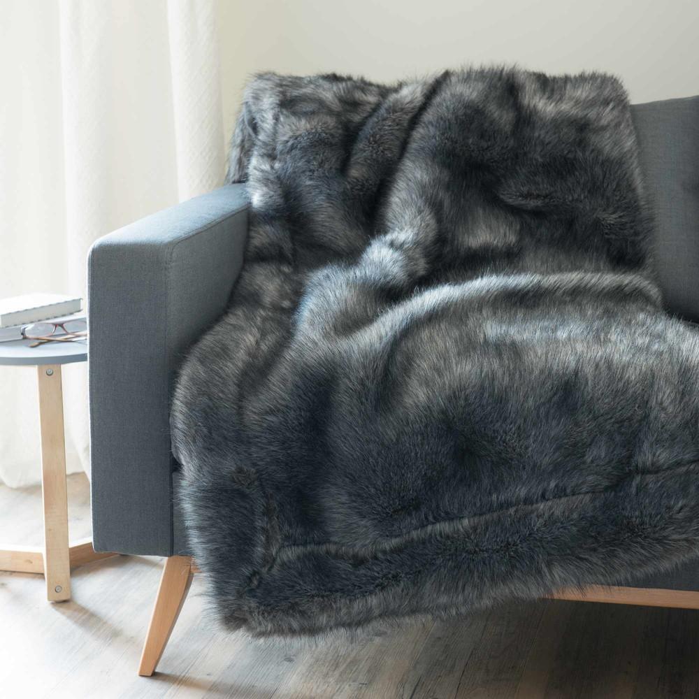 scaffel faux fur blanket in black 150 x 180cm maisons du. Black Bedroom Furniture Sets. Home Design Ideas