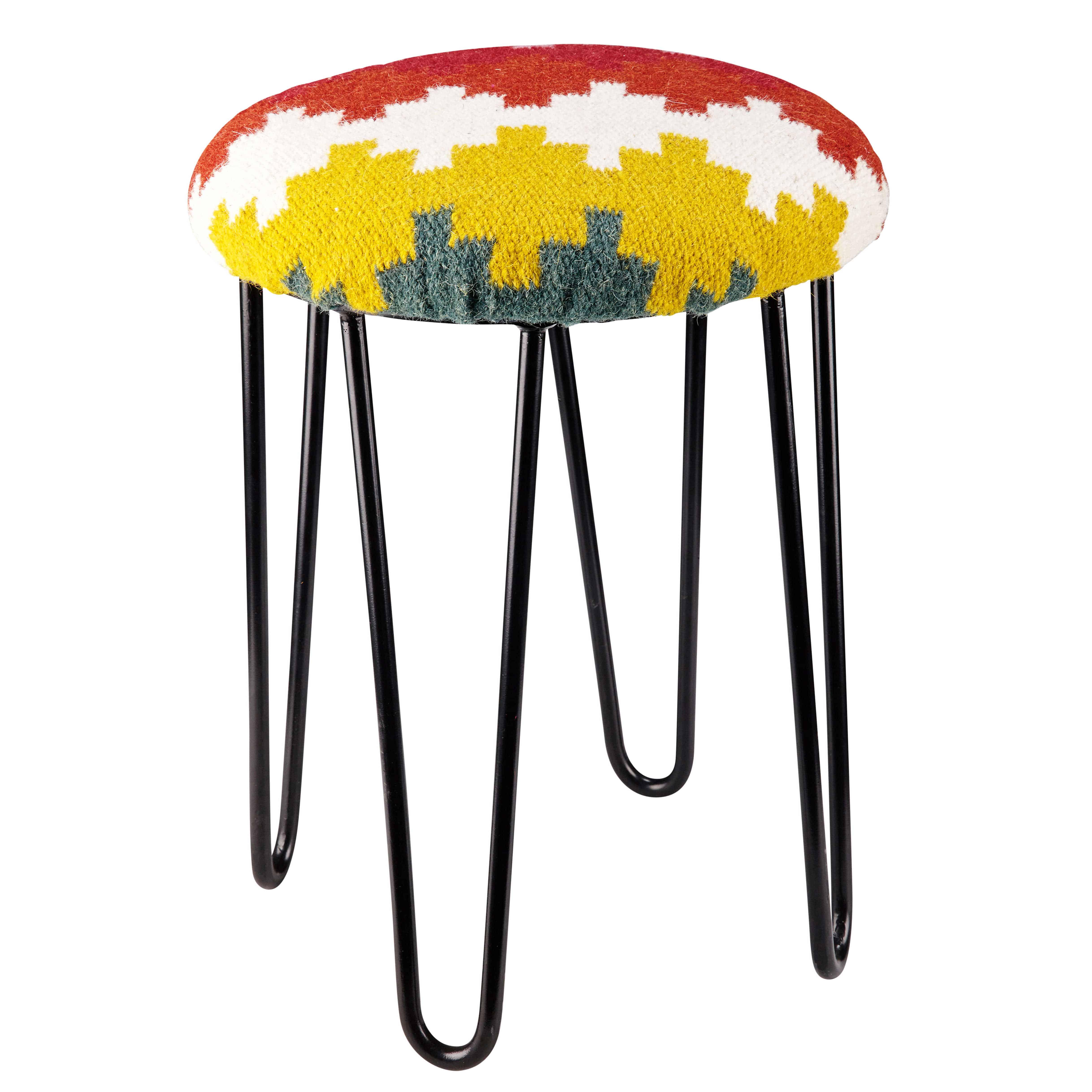 tabouret en m tal noir et laine multicolore mangalore maisons du monde. Black Bedroom Furniture Sets. Home Design Ideas