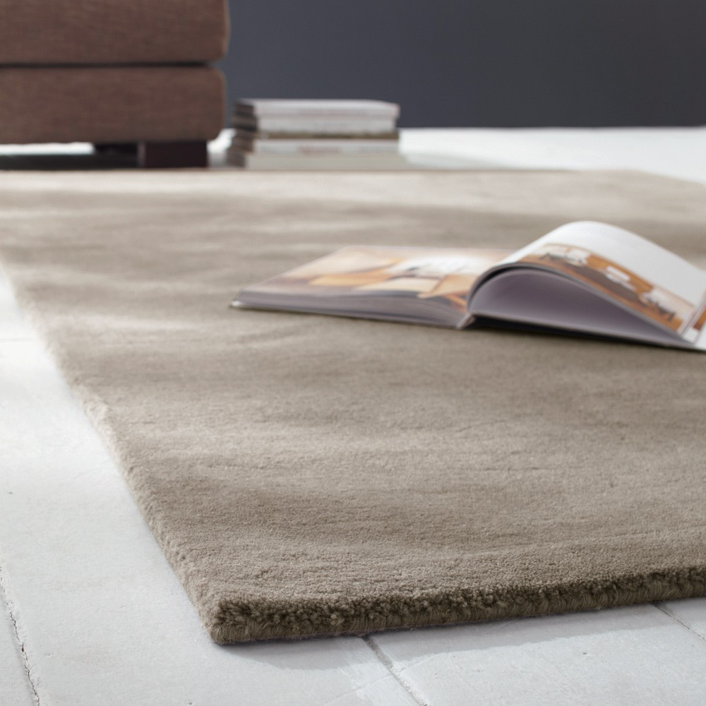 tapis poils courts en laine beige 200 x 200 cm soft maisons du monde. Black Bedroom Furniture Sets. Home Design Ideas