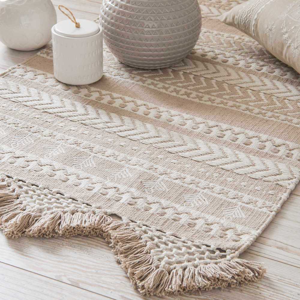 tapis en coton beige et blanc motifs 60x90cm ryana maisons du monde. Black Bedroom Furniture Sets. Home Design Ideas